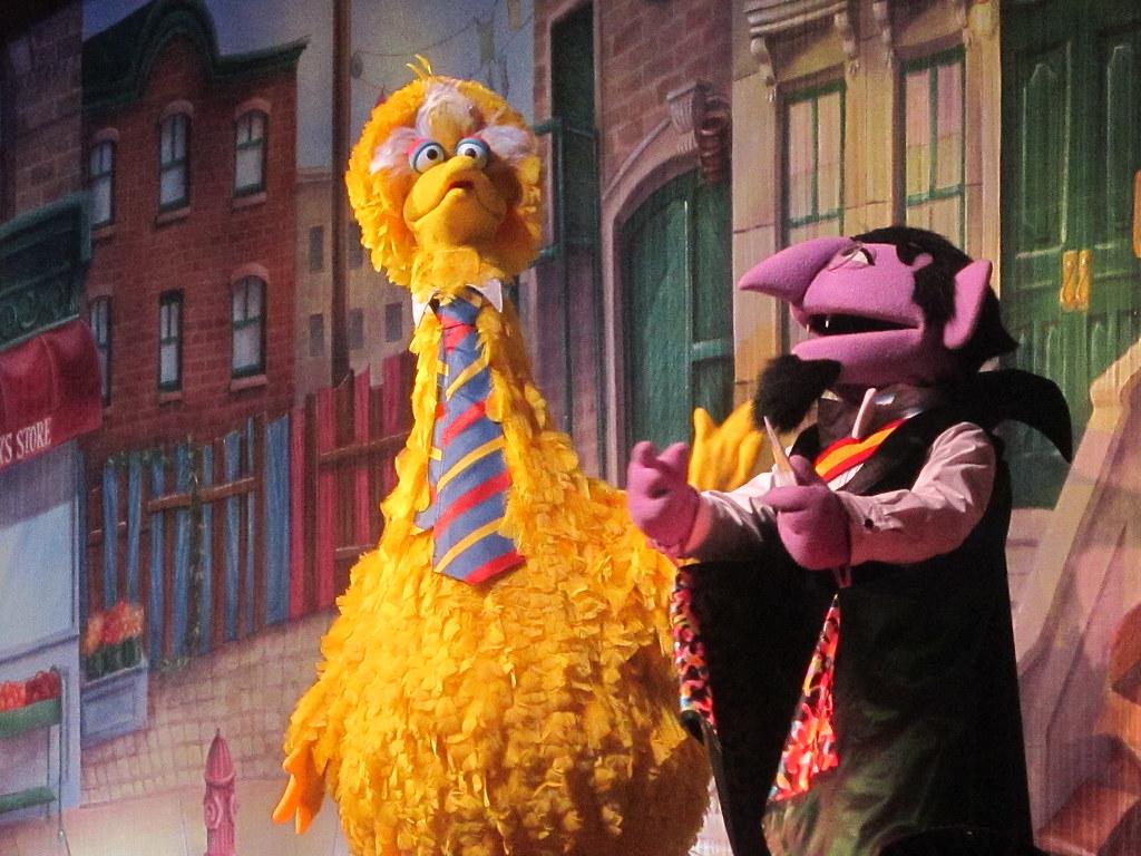 Sesame Street Big Bird S Birthday Or Let Me Eat Cake