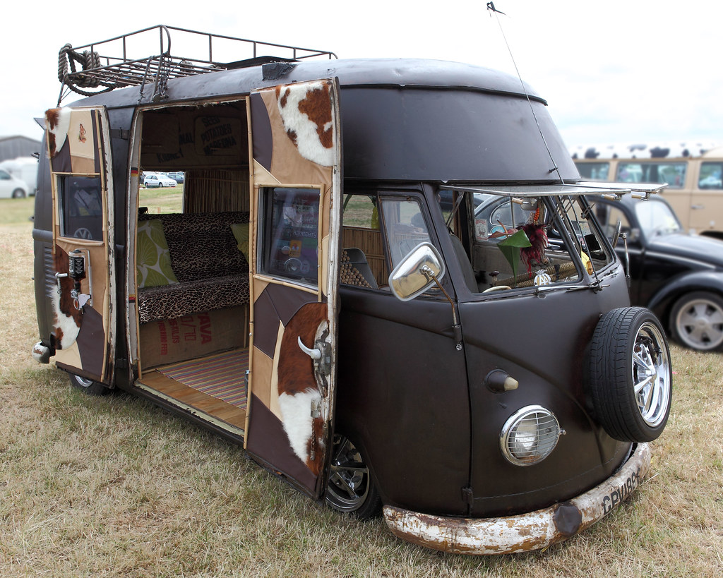 Volkswagen Type 2 'Kombi', On-Safari, c1963 | Dale Chappell | Flickr