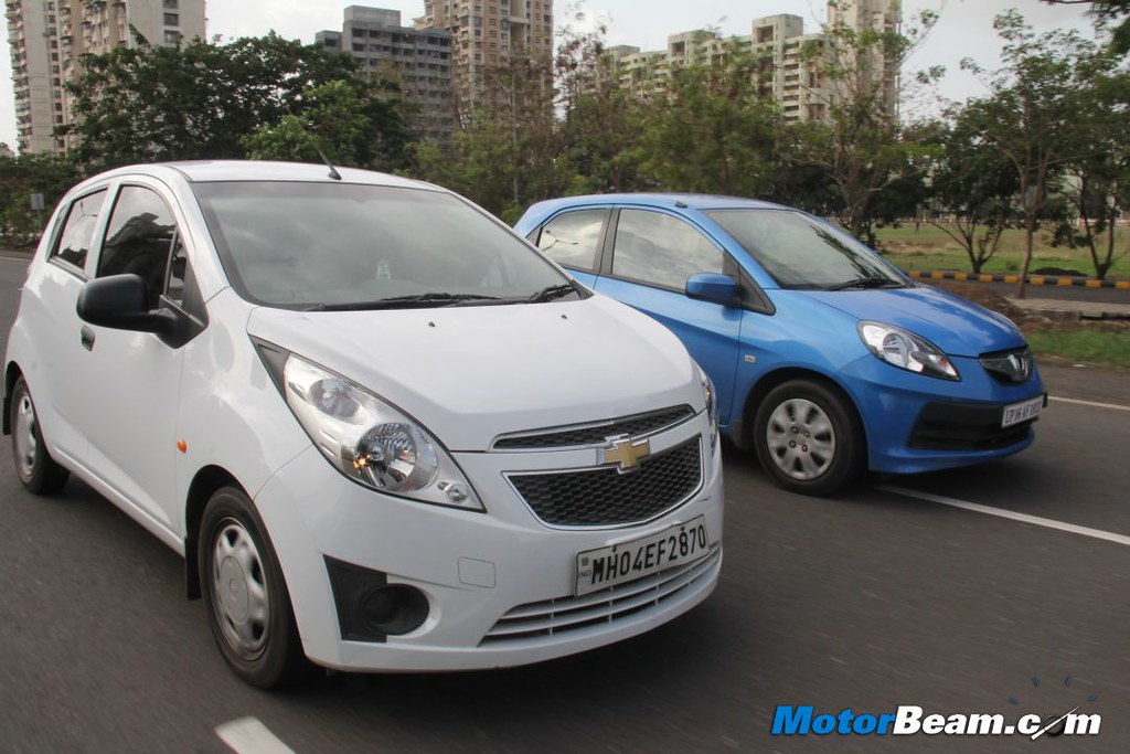 Chevrolet Beat Vs Honda Brio 08 Motorbeamcarsche Flickr