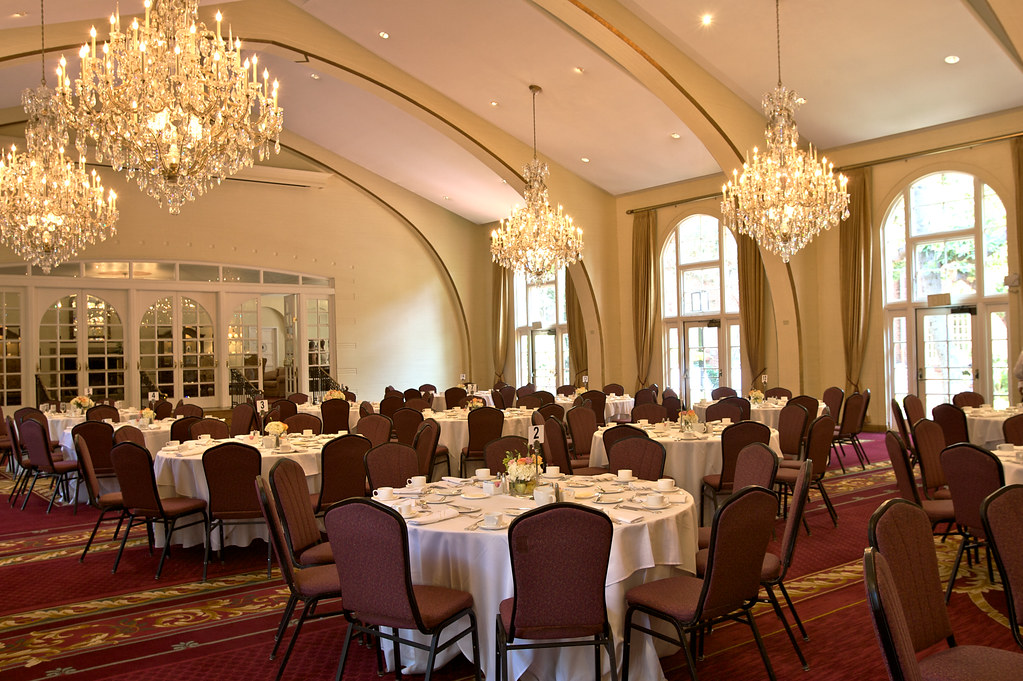 Town & Gown Dining Room   Town & Gown has been a meeting pla…   Flickr