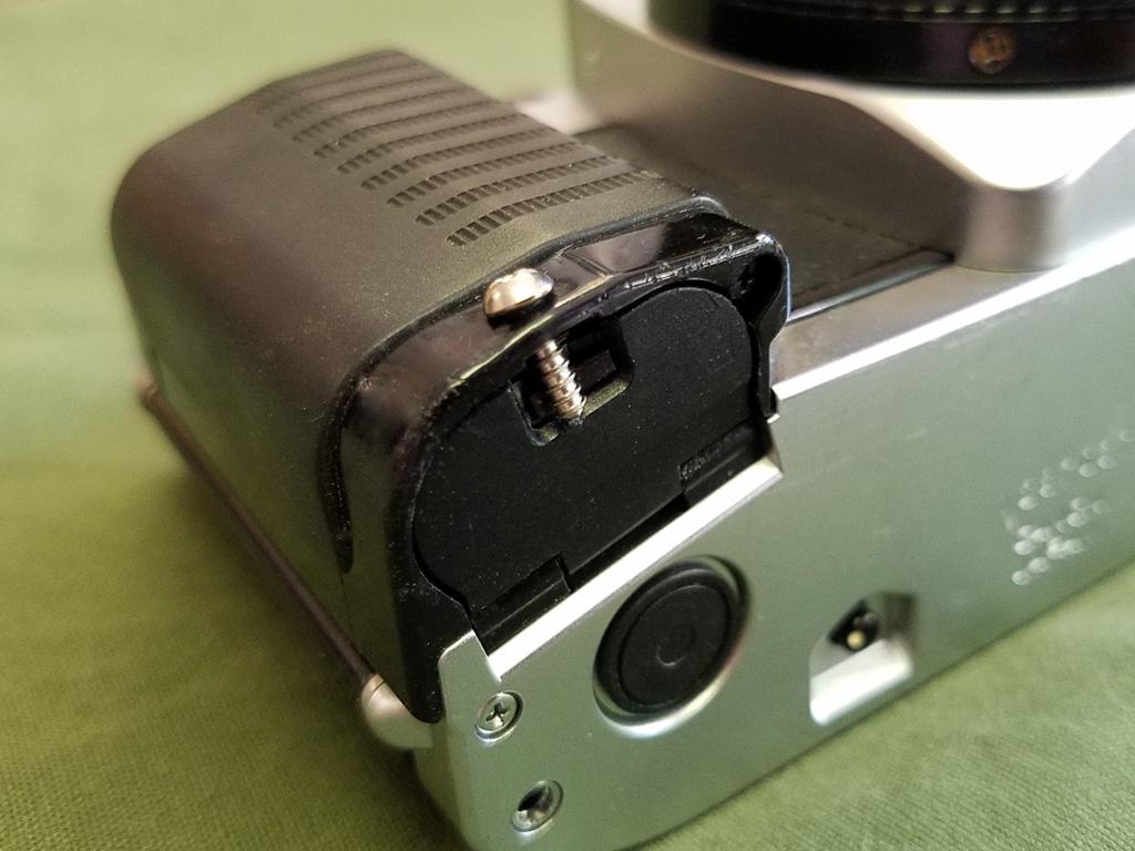 ... Canon AL-1 Battery Door Fix | by Mark Dalzell & Canon AL-1 Battery Door Fix | The broken battery door on theu2026 | Flickr