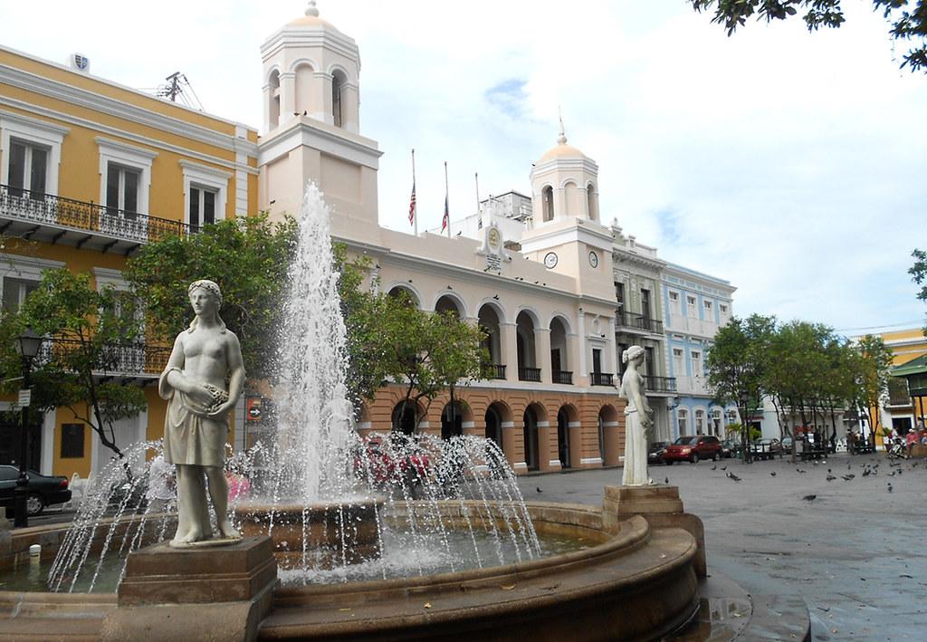 San Juan Alcaldia In Plaza De Armas The Alcaldia City