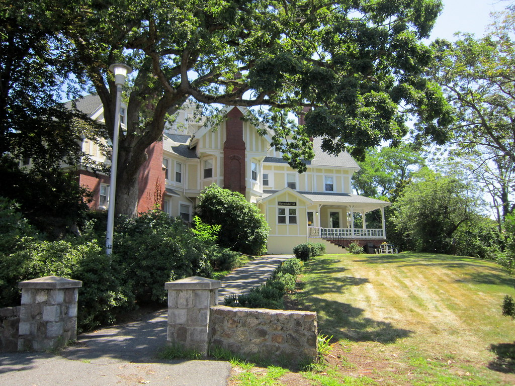 The Reynolds Mansion Bed And Breakfast Pa