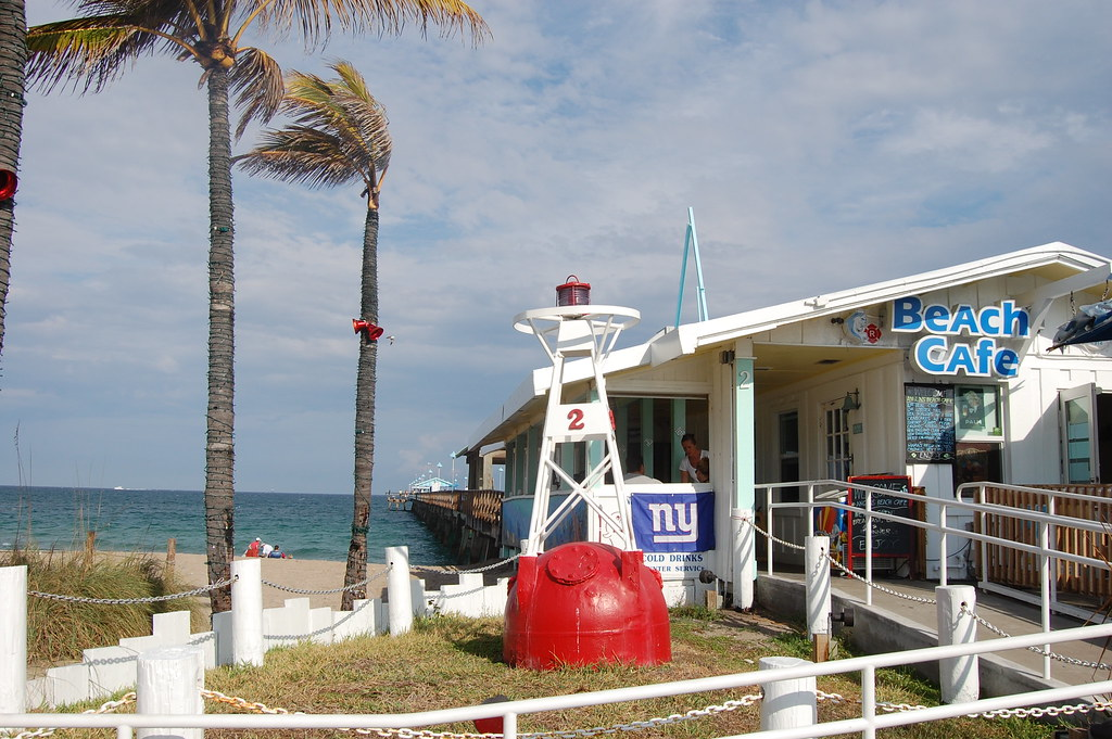 Beach cafe on fishing pier fort lauderdale florida flickr for Fishing in fort lauderdale