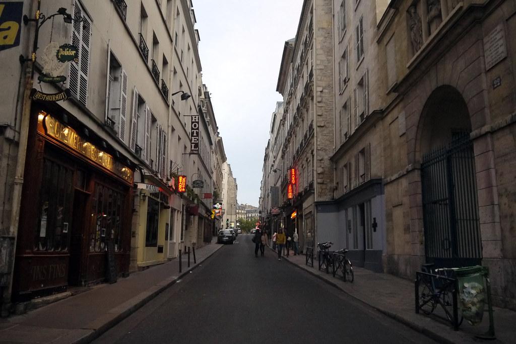 rue monsieur le prince paris 9 mai 2012 le soir flickr. Black Bedroom Furniture Sets. Home Design Ideas