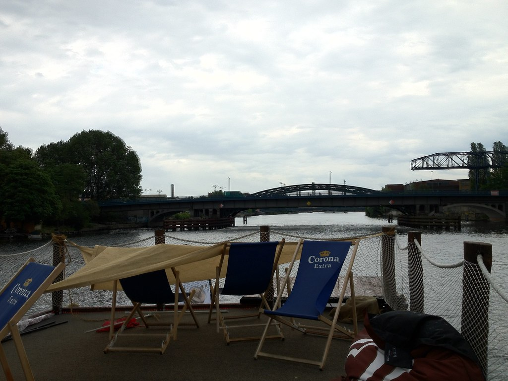 Cafe Zero Summer Boat | GillyBerlin