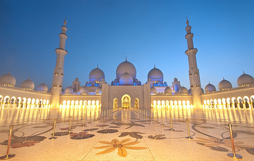 Grand Mosque, Abu Dhabi | by Menetnashté