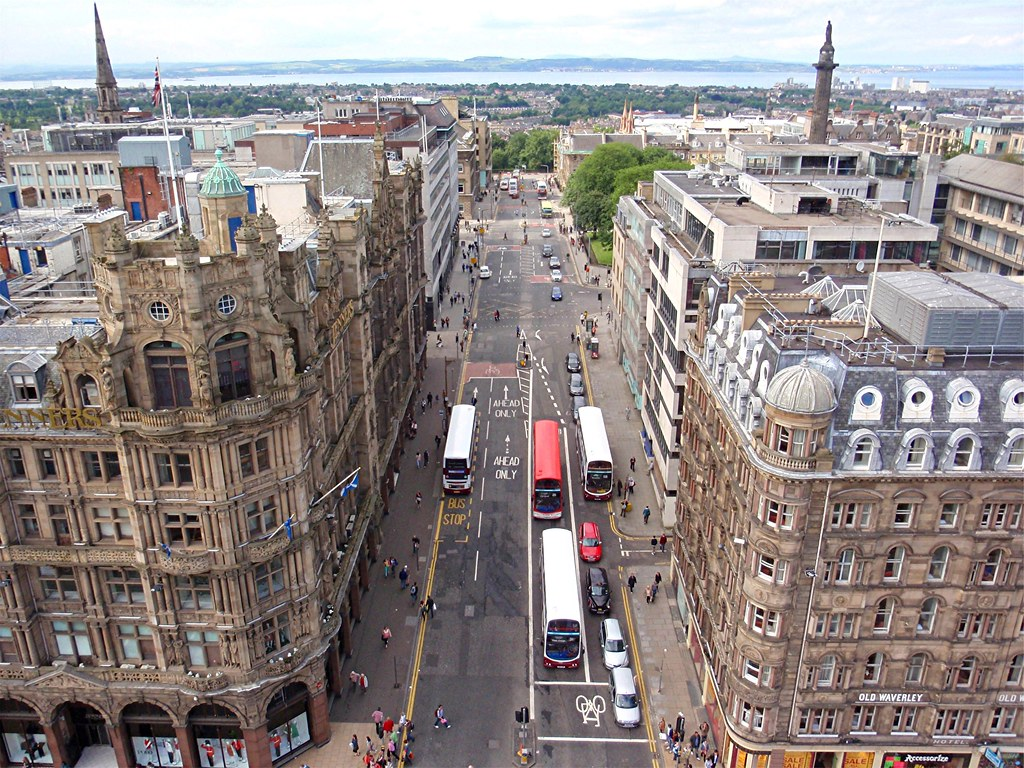 Edinburgh: A birds eye view | Looking out from high up on th… | Flickr
