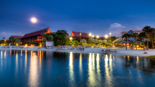 Disney's Polynesian - An Evening at the Beach