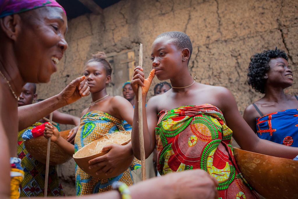 girls Ghana tribe