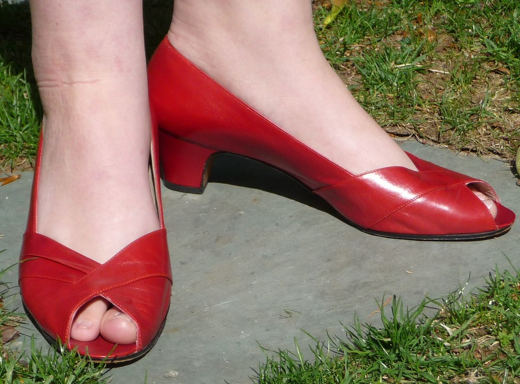 Women's Vintage 1980s Ferragamo Red Leather Low Heel Open … | Flickr