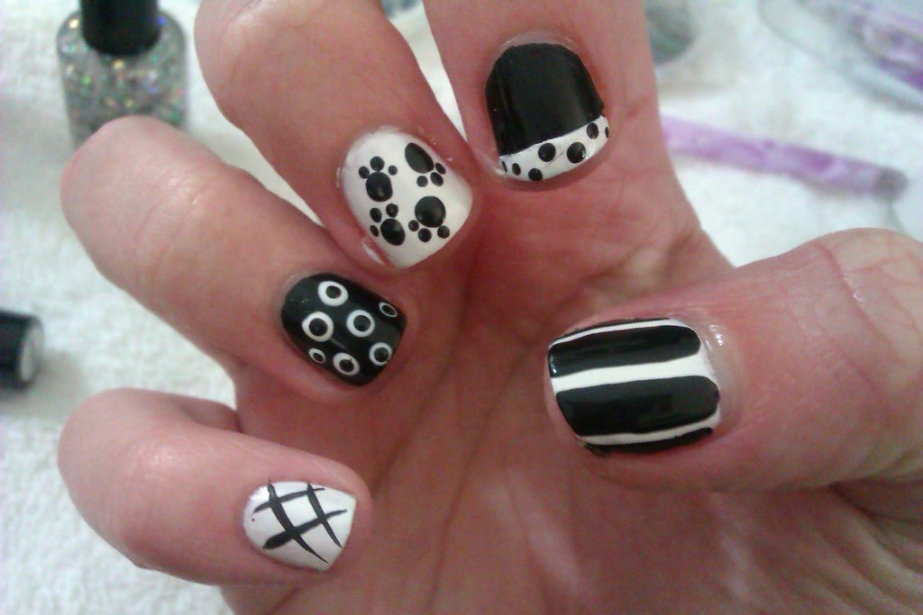 14 simple and easy diy nail art designs and ideas for shor flickr 14 simple and easy diy nail art designs and ideas for short nails in black and prinsesfo Choice Image