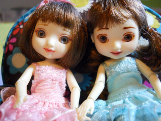 Customized Amelia Thimble Dolls, Lily and Daisy | by Etheria Dolls and Thimble House