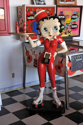 Betty Boop Server | by FoodtographerLV