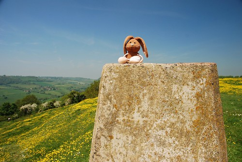 Climbing up on Solsbury Hill | by Rabbitroundtheworld
