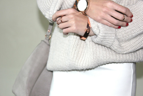 whiteonwhiterosegolddetails | by VeeVee Vogue