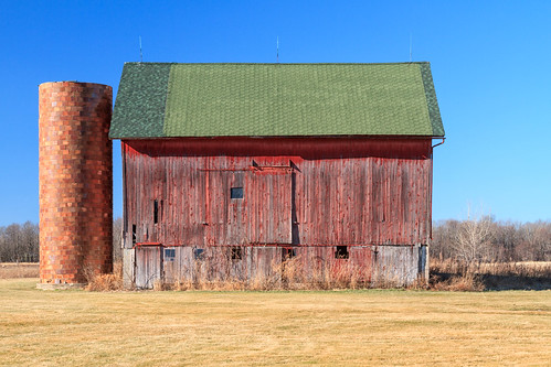 Barn, Swartz Creek, MI, January, 2012 | by Norm Powell (napowell30d)