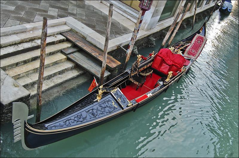 как в венеции называются лодки