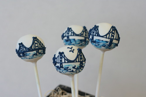 Navy Golden Gate Bridges | by Sweet Lauren Cakes