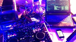 경포대 뮤직페스티벌 믹싱용 심플 셋업 #htc #denon #dj #denondj #mc6000 #lenovo #virtualdj #beach #party | by DJ The Soo