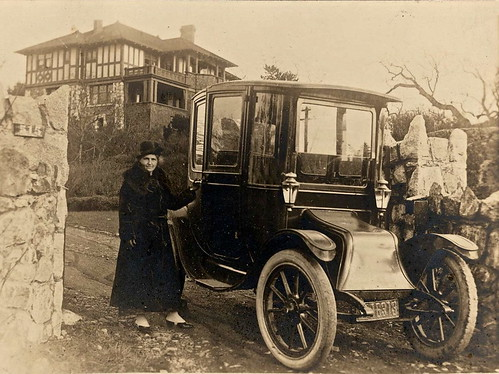 Dr. Evlyn Farris and her Electric Car in 1919 | by jurvetson