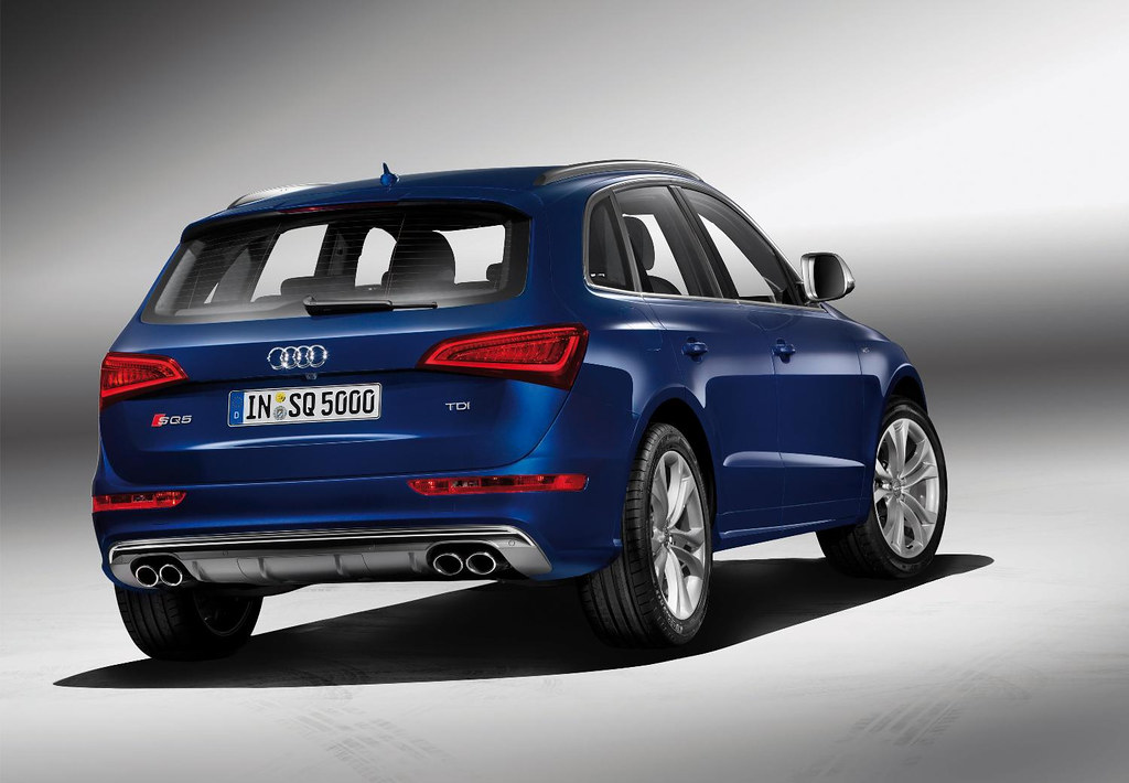 Audi SQ5 Colours | Audi offers the new SQ5 in crystal