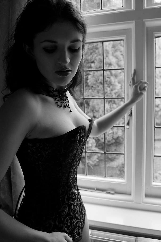 Fawna Latrisch Nude Photos 91