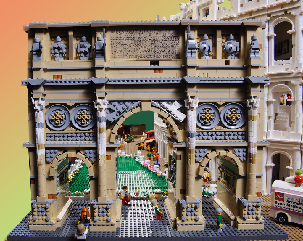How To Build The Colosseum Out Of Legos