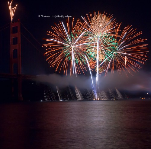 "golden gate bridge 75th fireworks 2012 "" Crisp Threads of Light "" 