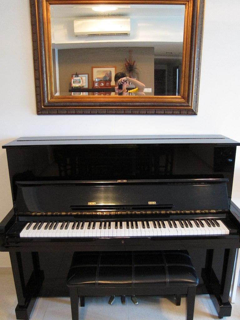 Side By Side For Sale >> Hyundai U832 piano 1 - $250 | Hyundai U832 student piano ...