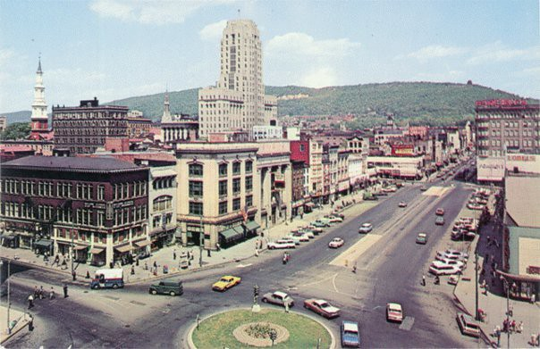 Reading Pennsylvania Vintage Postcard 5th And Penn