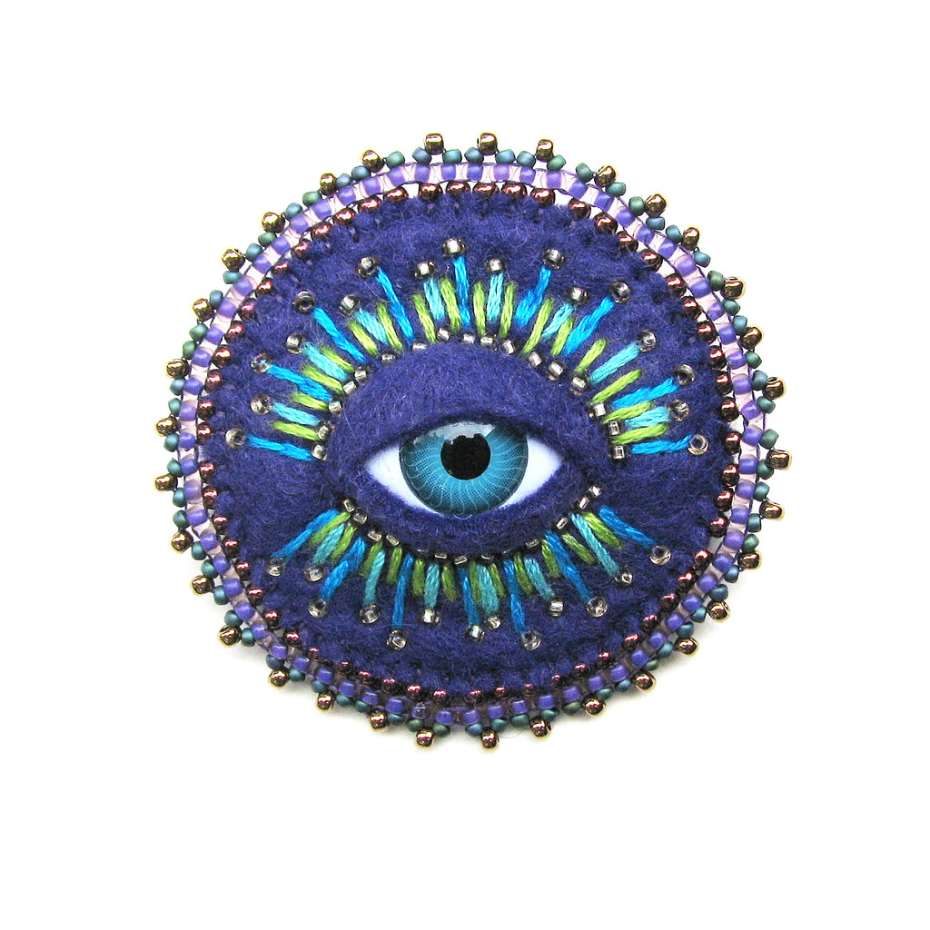 Brooch Beads: Il_fullxfull.36Peacock Cyclops Brooch With Bead Embroidery