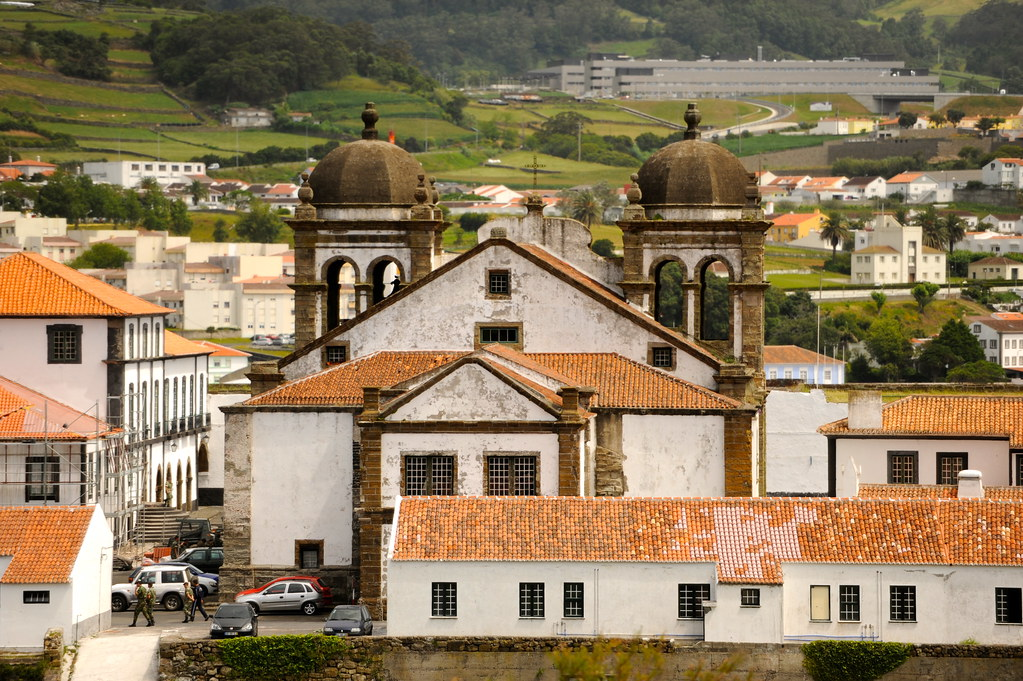angra do heroismo senior dating site Introduction: the museu de angra do heroismo, terceira island, azores possesses nine bronze cannon dating to the sixteenth century the guns were salvaged in bays of angra and fanal on the.