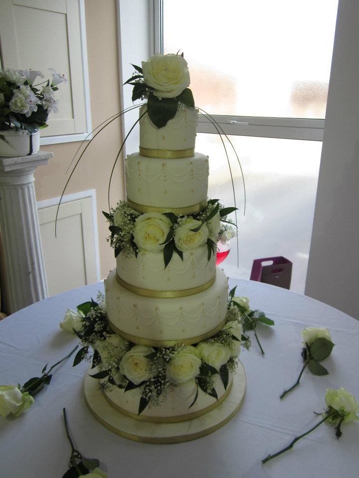 five tier wedding cakes 5 tier wedding cake with fresh flowers my five 14306