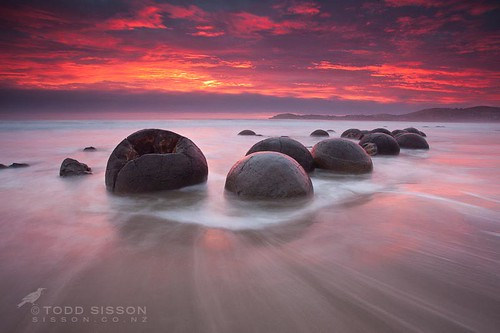 Sunrise Moeraki Boulders Otago South Island New Zealand | by Todd & Sarah Sisson