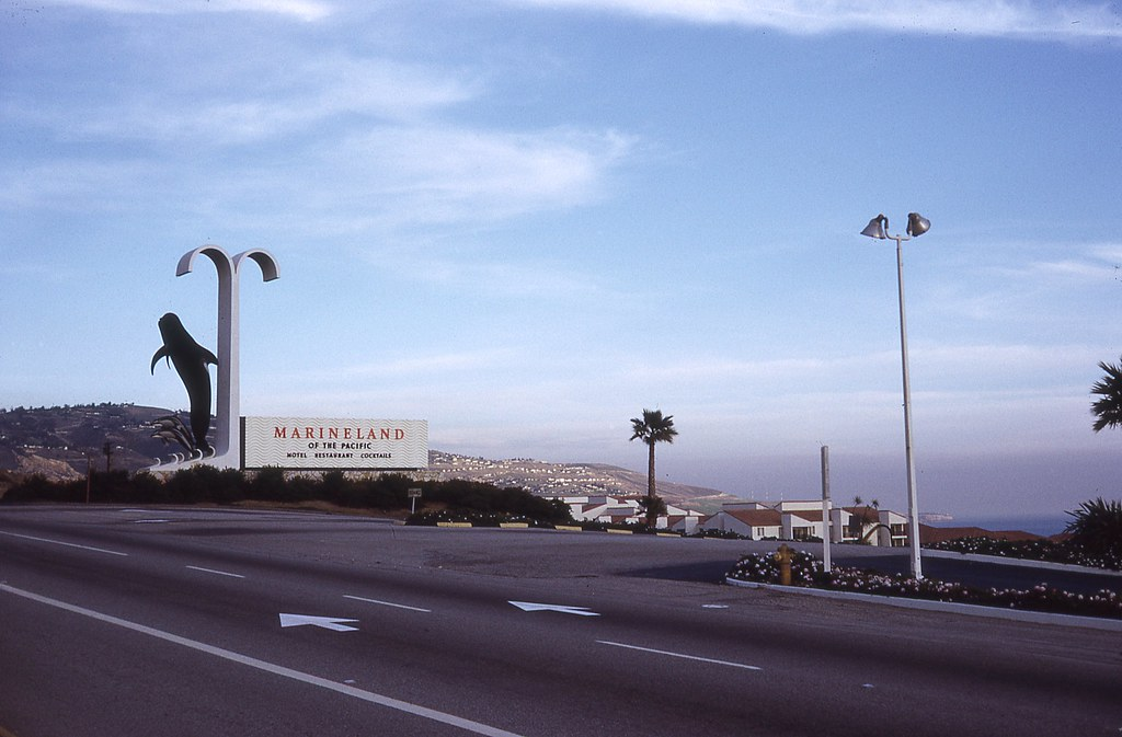 Entrance to Marineland of the Pacific - Palos Verdes Penin ...