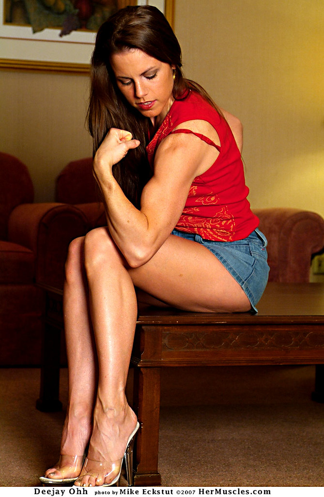 mandy flores muscle