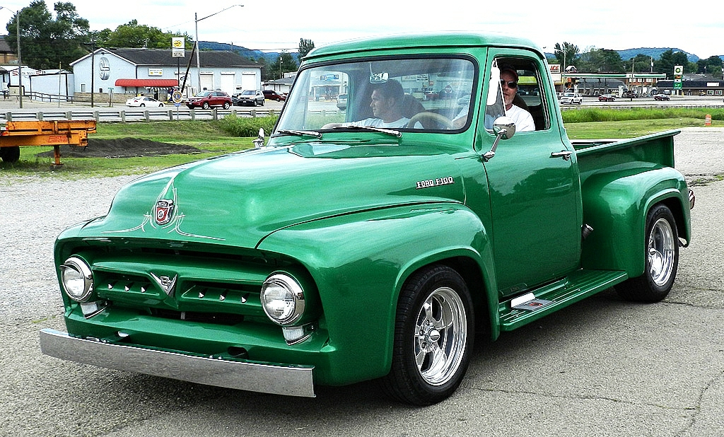 1953 Ford Pickup Seen At The Piketon Parts Show In