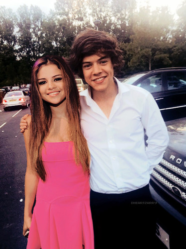 Attending a Wedding.// Selena Gomez and Harry Styles Manip ...