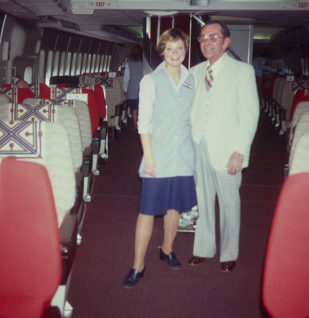 American Airlines First Class 747 | 1978 First Class cabin ... American Airlines