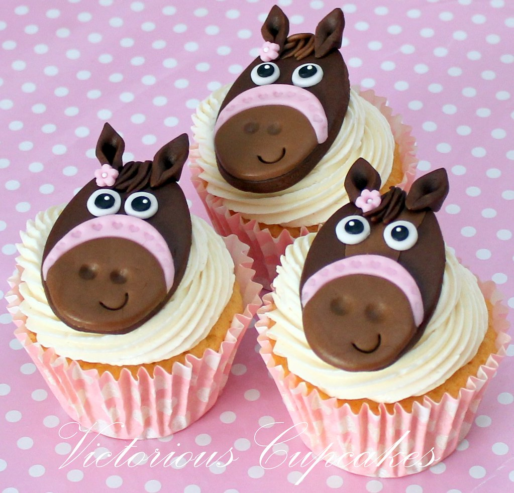 Teddy And Horse Cupcakes 0279 Victorious Cupcakes Flickr
