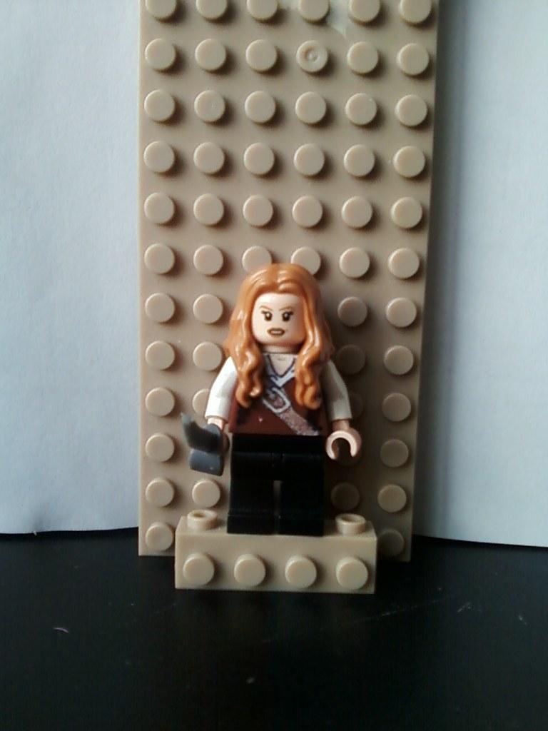 lego elizabeth swann  trader