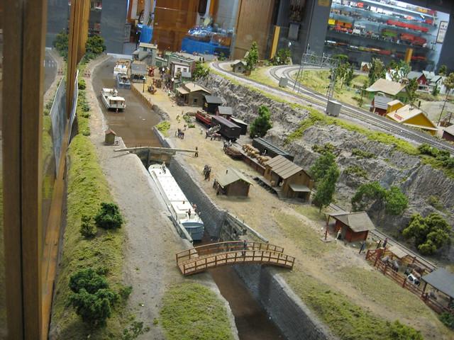 Floquil grimy black, metal train sets sale, z scale trains
