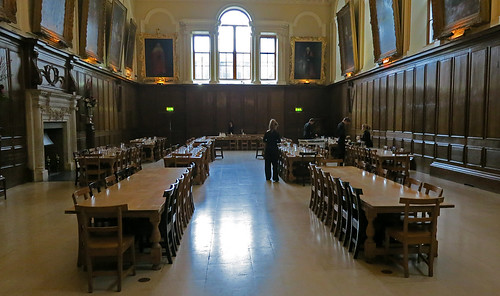 how to get into trinity college dublin