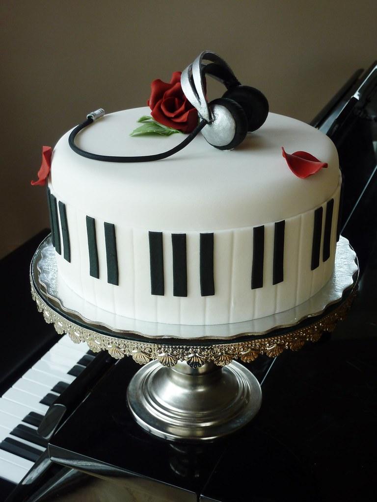 Keyboard Cake Pan