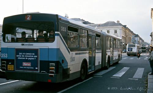 tours 1993 ligne 2 vient de partir et en 1999 ce bus est flickr. Black Bedroom Furniture Sets. Home Design Ideas
