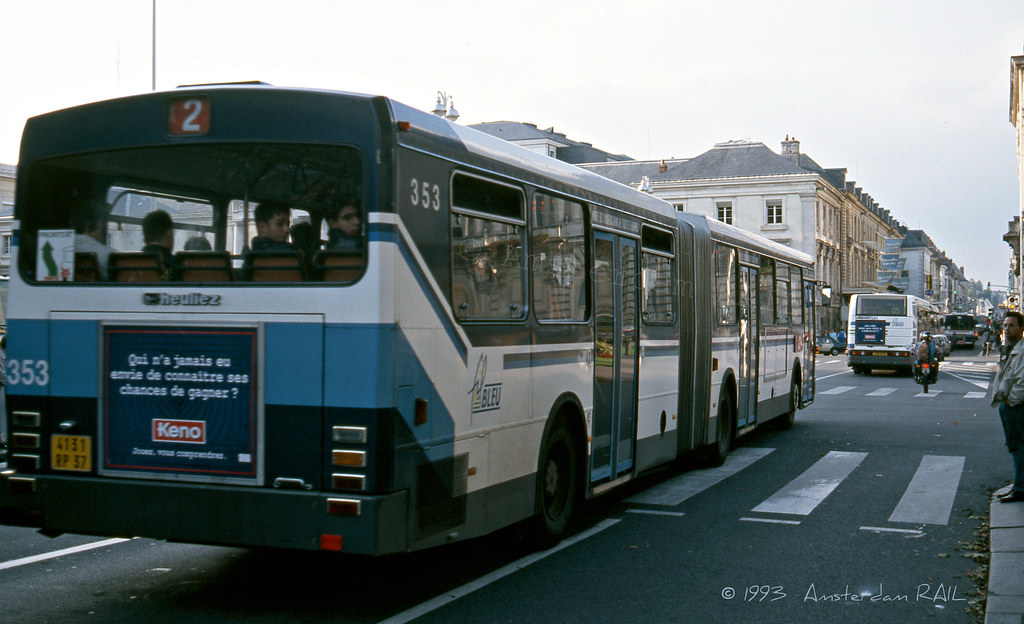 tours 1993 ligne 2 vient de partir et en 1999 ce bus est flickr. Black Bedroom Furniture Sets. Home Design Ideas