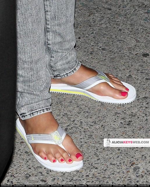 Alicia-Keys-Feet-638528   Flickr - Photo Sharing! Alicia Keys