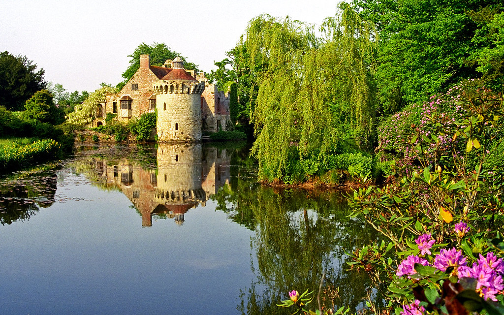 Scotney Castle Landscape Gardens, Kent, England | View of ...