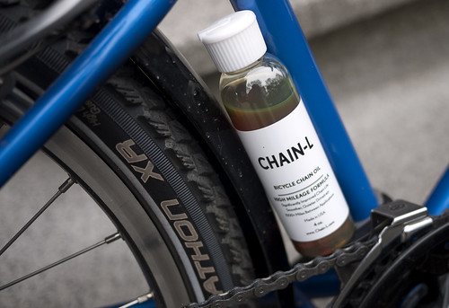 Applying Chain-L Oil | by travelling two